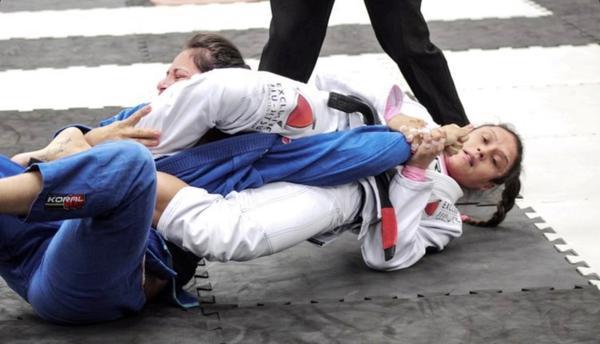 A atleta Sábatha Laís lutará neste próximo domingo, 13, no Rio de Janeiro